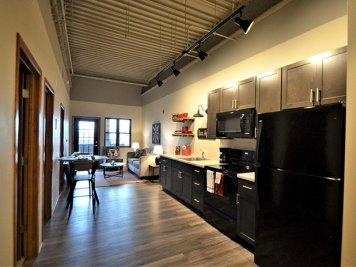 The Hub on 6th La Crosse - Website Hub2Bed2